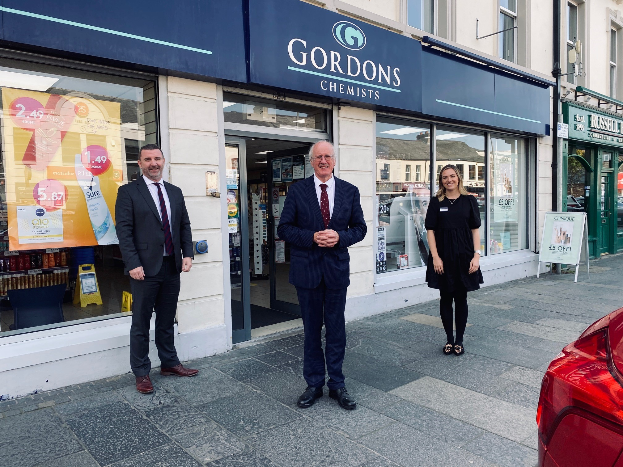 MP visit community pharmacy to hear of challenges faced during pandemic