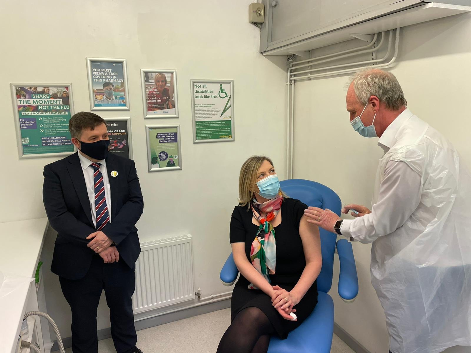 Community pharmacy vaccine service launches