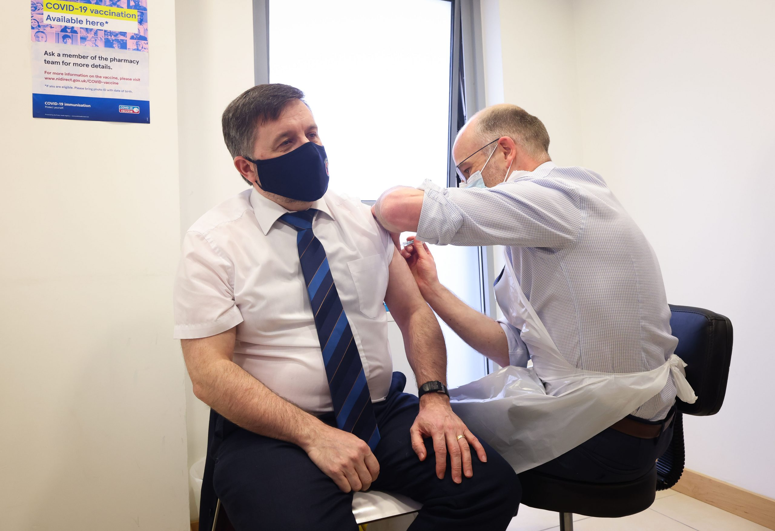 Health Minister receives his Covid-19 vaccine at a community pharmacy